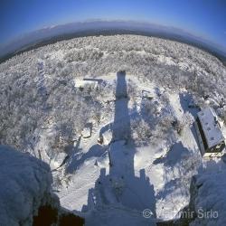 Děčínský Sněžník – stín rozhledny